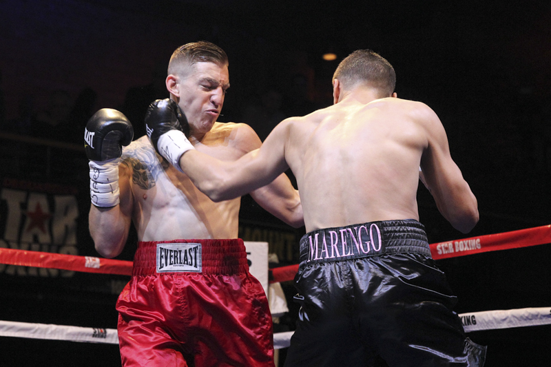 Seldin Quot Hammers Quot Gil In Front Of Packed House At The